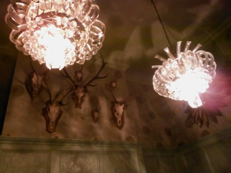 After the performance we went to a quirky bar in Shoreditch called the Commercial Tavern. Who knew that modern crystal chandeliers went so well with mounted deer skulls?